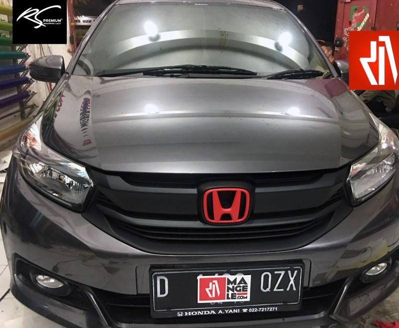stiker mobil bandung mangele wrap grill sticker hitam doff logo merah rapih keren