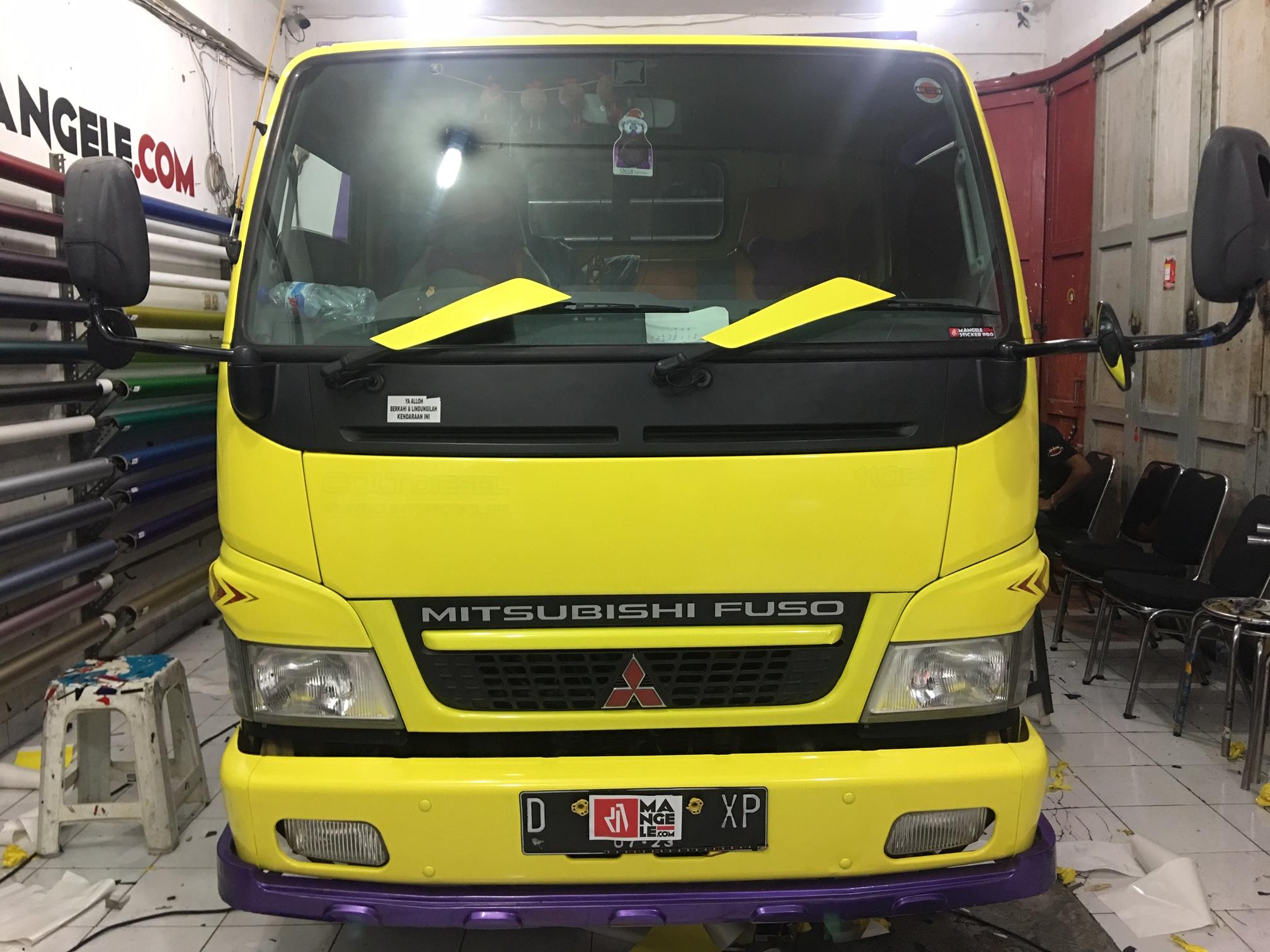 wrapping sticker mobil truk bandung | stiker kuning glossy keren