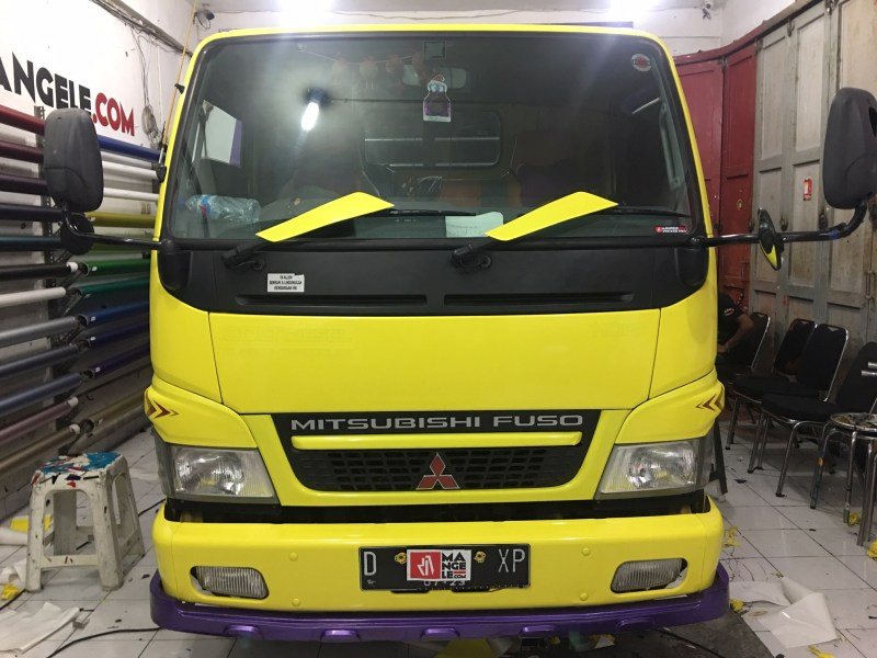 MANGELE Wrapping Kabin Truk Full Yellow Gloss Rapih Keren Best Stiker Mobil Bandung