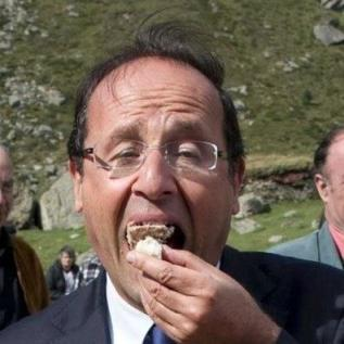 hollande-mange-un-gateau