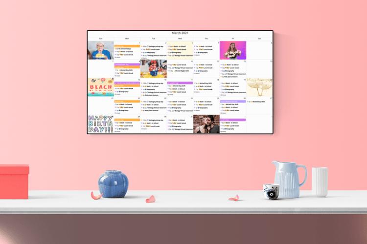 Pink monthly calendar