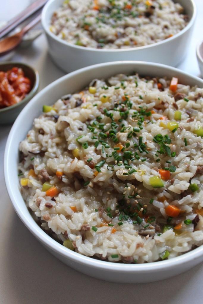 korean beef and mushroom porridge sogogi beosut jook