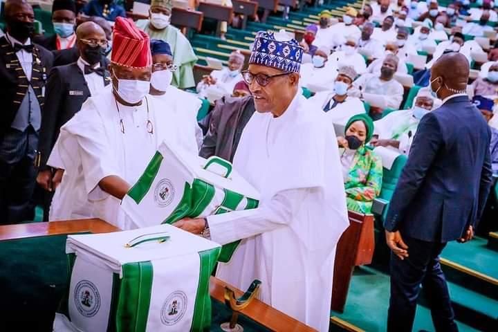 2022: Buhari ya gabatar da kasafi mafi tsada a tarihi