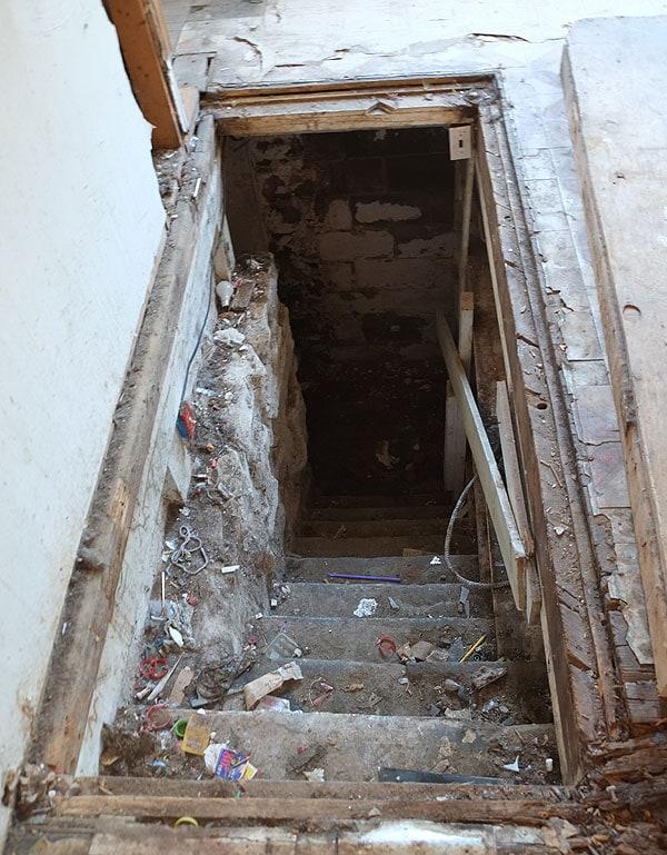 basement-stairs