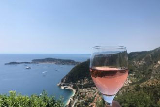 On a day trip to Eze, enjoy pizza and rose at Le Café du Jardin.