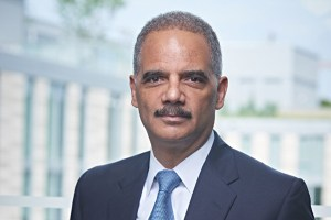 Former U.S. Attorney General Eric Holder Returns to Covington (PRNewsFoto/Covington & Burling LLP)