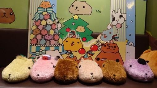 kapibarasan-cafe-10th-anniv-sign-gaienmae[9]