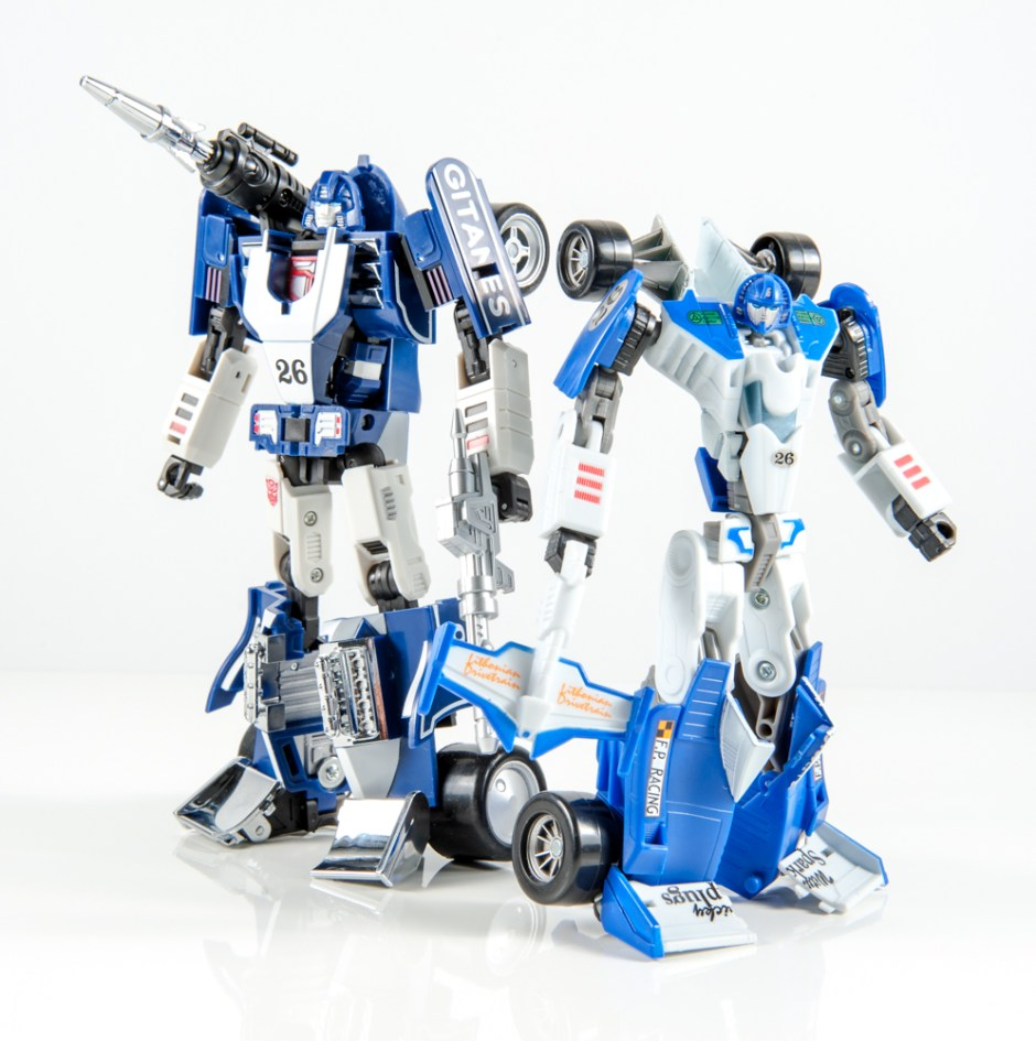 masterpiece mirage dx9 invisible transformers comparison mp g1 classics generations chug