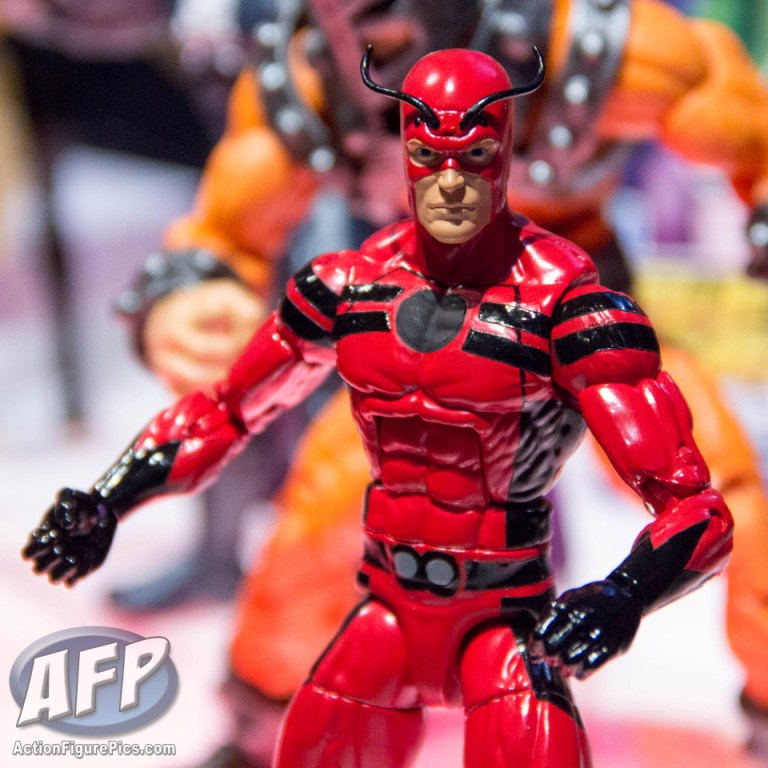 ant man marvel legends giant man