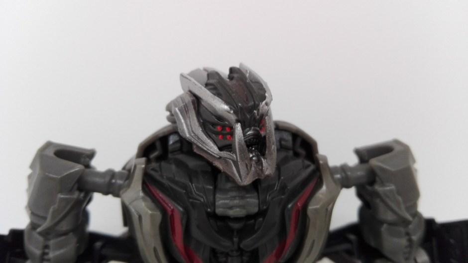 Transformers Studio Series Crowbar robot-head
