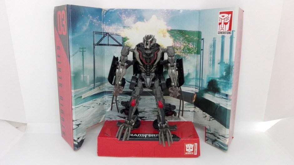 Transformers Studio Series Crowbar robot-stand