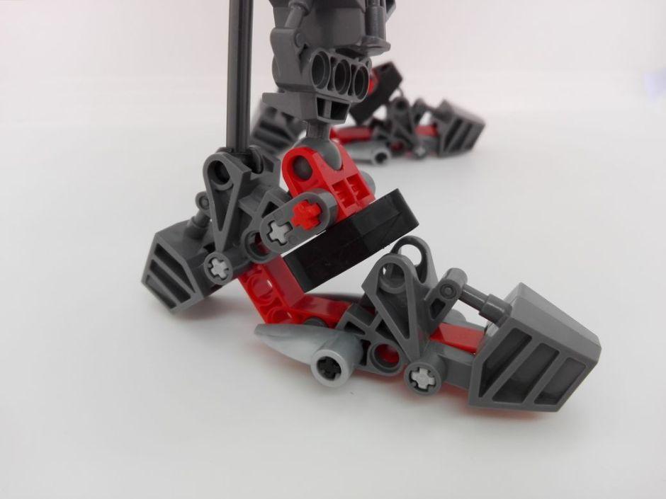 LEGO Bionicle 8924 Maxilos & Spinax Maxilos-leg-3