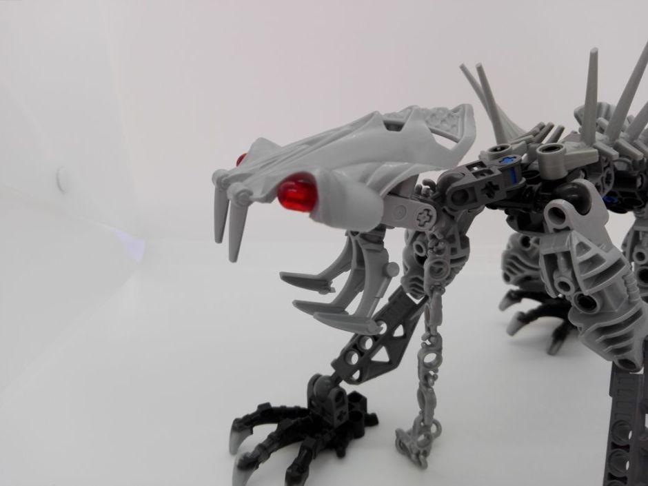 LEGO Bionicle 8924 Maxilos & Spinax Spinax-head-3