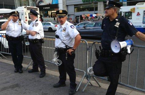 CopsWCuffs