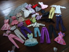 ASSORTED DOLLY CLOTHES