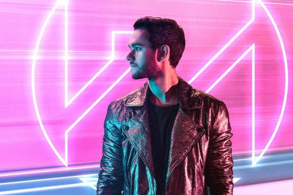 Zedd posing for his Echo Tour poster in Manila 2018