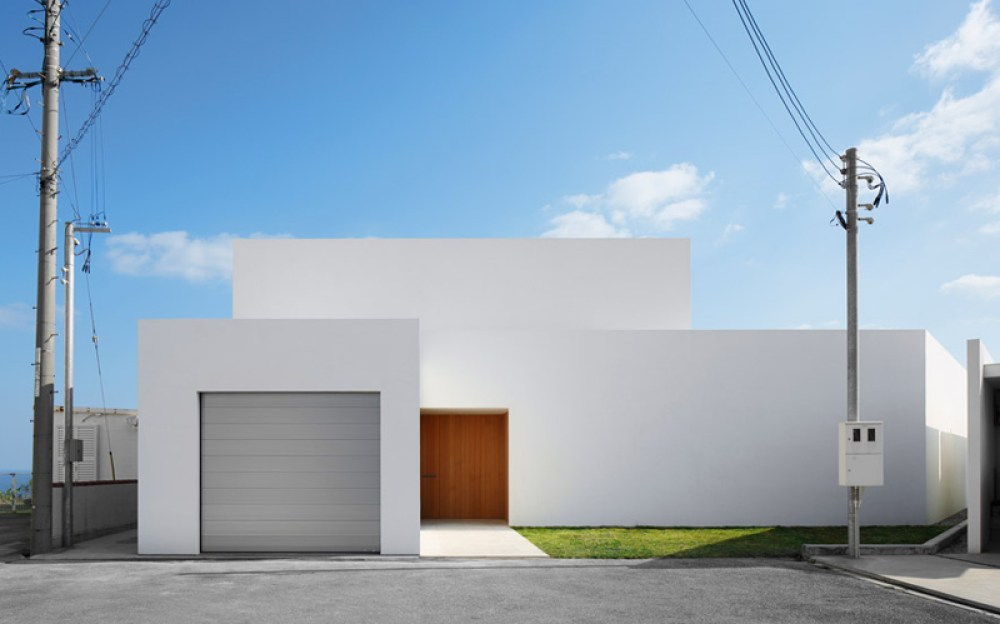 Minimal - Okinawa House captured by photgraphers Nacasa & Partners