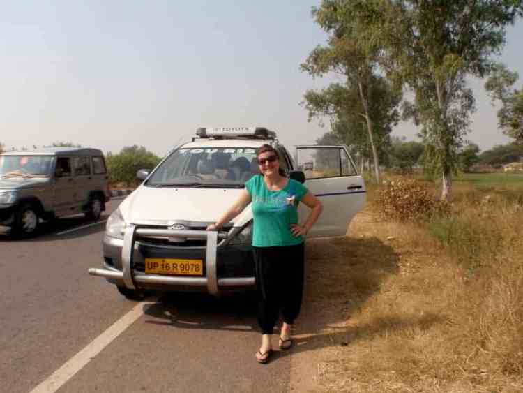 Rajasthan (Jaipur) waiting for the driver. maninio.com #Rajastanjaipur #Agradelhi