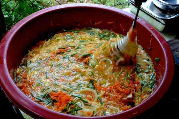 Omelette cooking in touch a life - #volunteerinasia #volunteerincambodia maninio.com