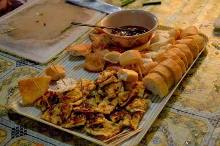 Breakfast time in touch a life- #volunteertouchalife #volunteerincambodia maninio.com