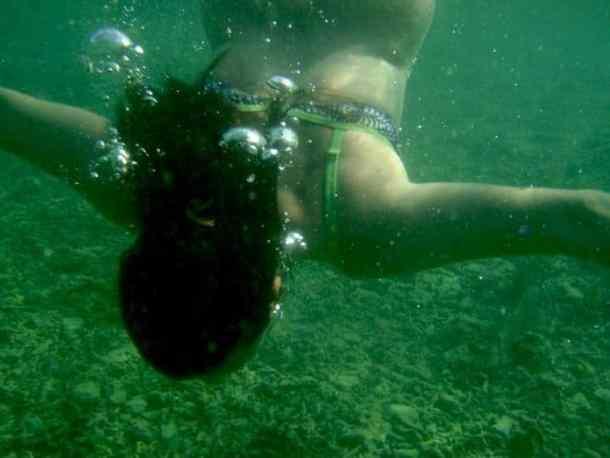 Snorkelling in Camiguin Island, Philippines. maninio.com #tourismphilippines #visitcamiguin