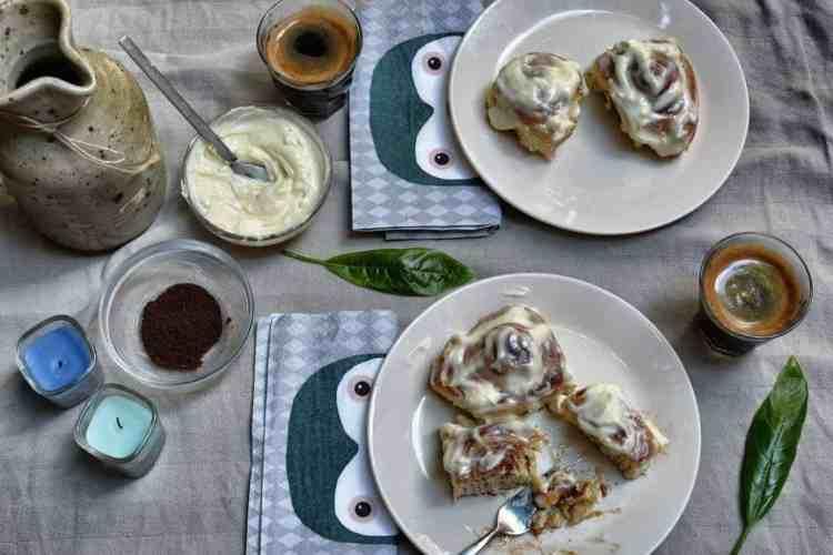 cinnabon - rolls - cinnamon - desserts - maninio.com #cinnabonrolls #cinnamontreats