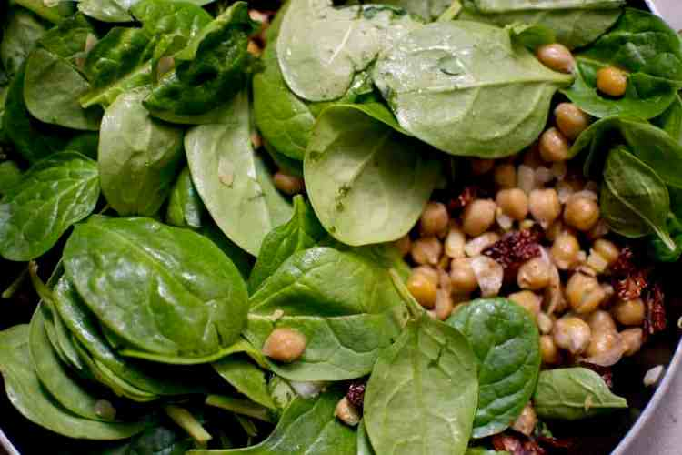 chickpeas-with-spinach-and-dried-tomatoes_spinach