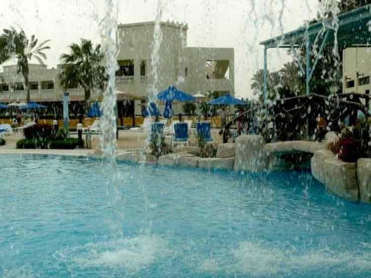 Qatar back 2006 - Sea line resort #Qatarswimmingpool #qatarsealine |maninio.com