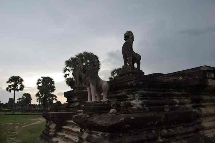 Angkor Wat Temple - maninio.com - Cambodia - Travel - Asian temples
