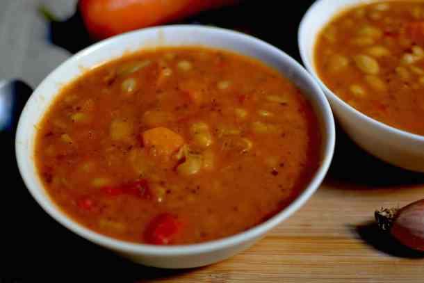 Greek bean soup #veganguide #greekvegan