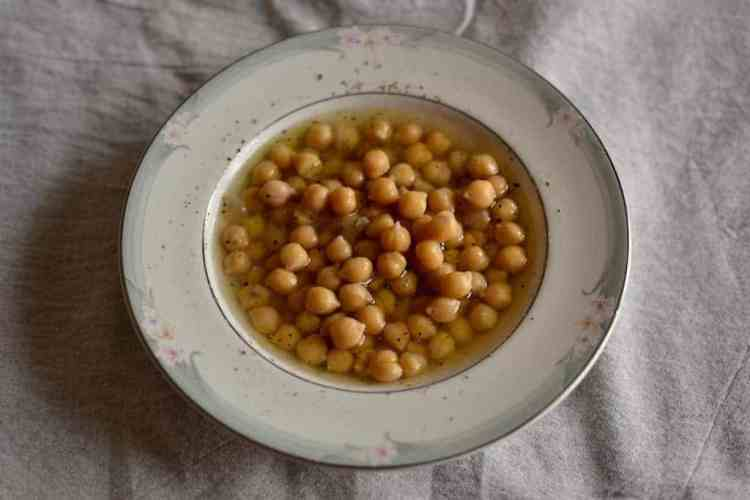 Chickpeas soup, A Greek traditional dish #veganguide #greekvegan