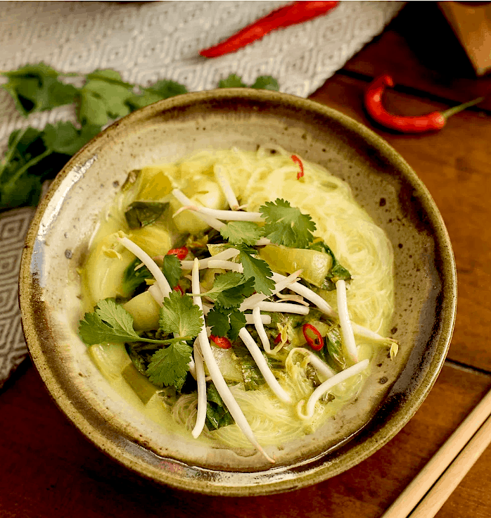 10 Healthy, Vegan Soup Ideas for Autumn and Winter - coconut bok choy soup ans awesome vegan soup. maninio.com