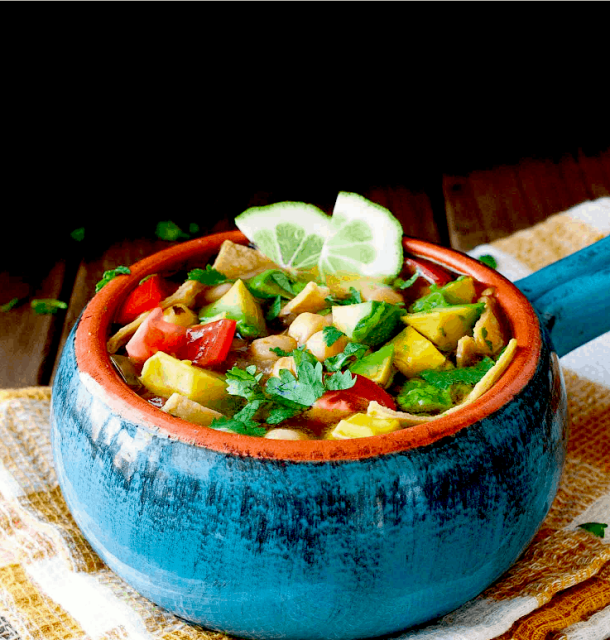 10 Healthy, Vegan Soup Ideas for Autumn and Winter - Vegan mexican Tequila Lime Chickpea soup. maninio.com