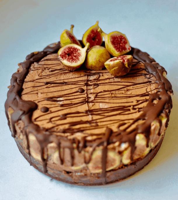 Luscious Vegan Chocolate Mousse cake for Christmas. maninio.com