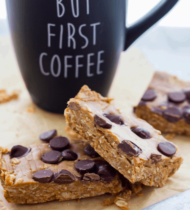 Servingrealness - Vegan peanut butter oat bar no bake - Vegan Healthy Breakfast Ideas to Start your day. maninio.com