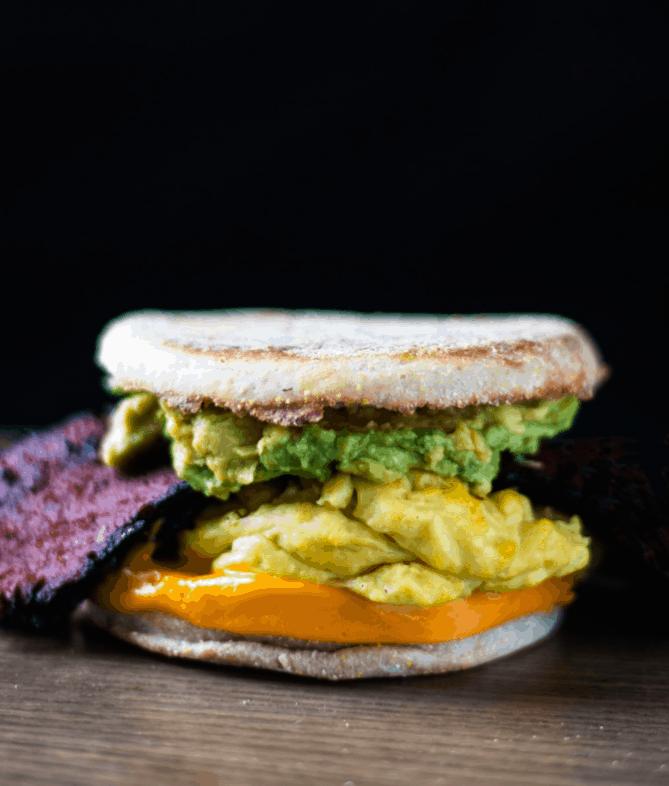 henutfreevegan - Bodega Breakfast Avocado Sandwich - Vegan Healthy Breakfast Ideas to Start your day. maninio.com