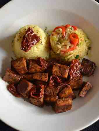 Baked Tofu with Vegetable rice and Sun-Dried Tomatoes4. maninio.com