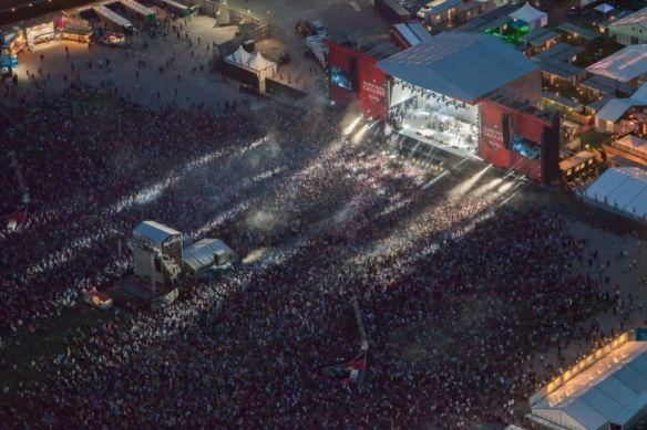 Hard_Rock_Calling_2013_Wows_Crowd_At_Queen_Elizabeth_Olympic_Park