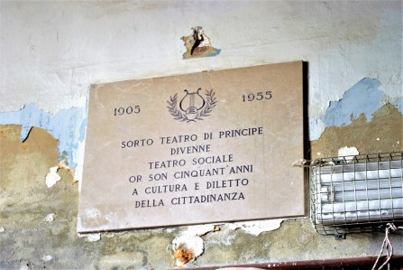 vecchia targa del teatro