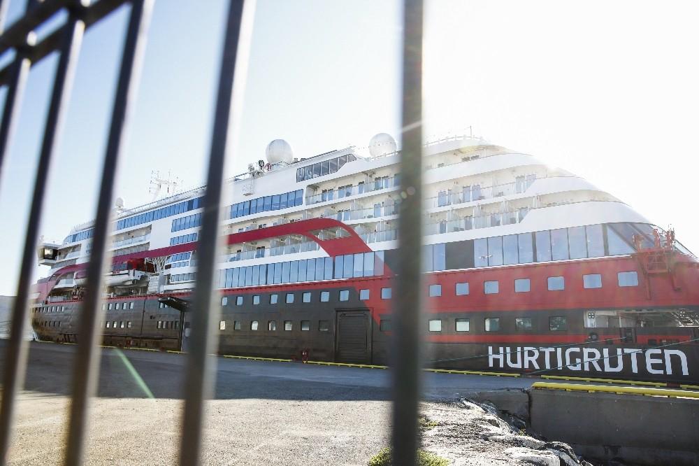 Norveç'ten 100'den fazla yolcusu olan kruvaziyer gemilerine 14 gün karaya çıkma yasağı