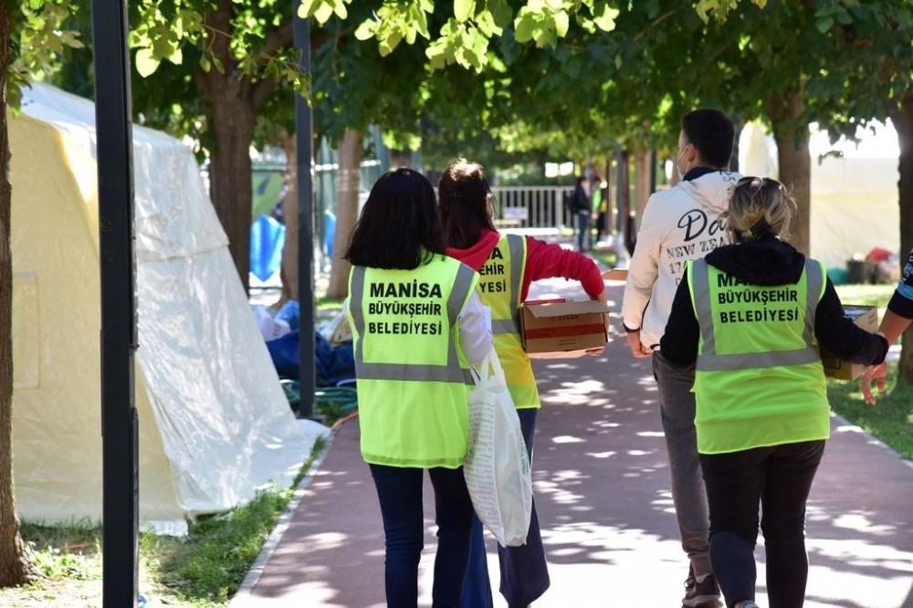 Manisa Büyükşehir Belediyesinin İzmir'e desteği devam ediyor