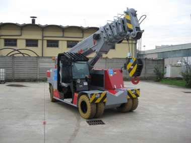 120EVO - Electric Pick & Carry Crane - 26,400 lb Capacity