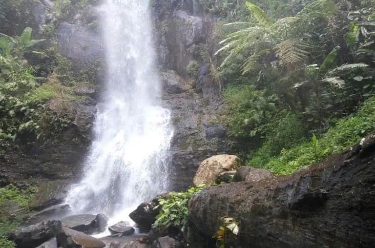 tempat wisata ciamis curug tujuh cibolang