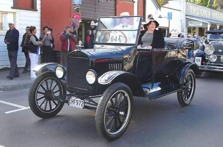 mobil tertua di dunia