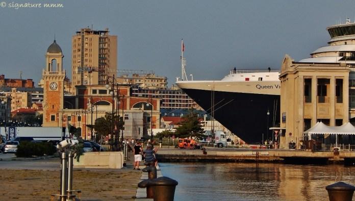 """""""Queen Victoria"""" in Trieste."""