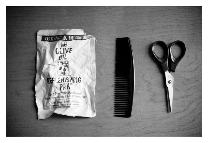 How to groom your beard with a beard comb and scissors