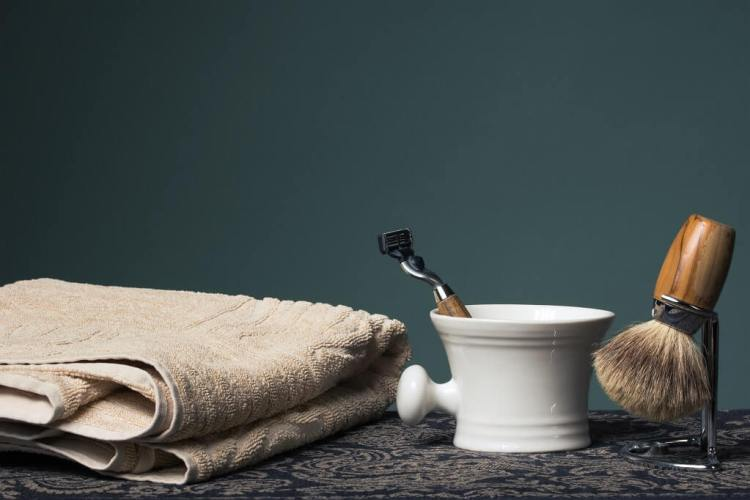 Get a close shave without cutting yourself by properly preparing your set up. Prefer a safety razor with a natural hair shaving brush to avoid razor burn and irritation