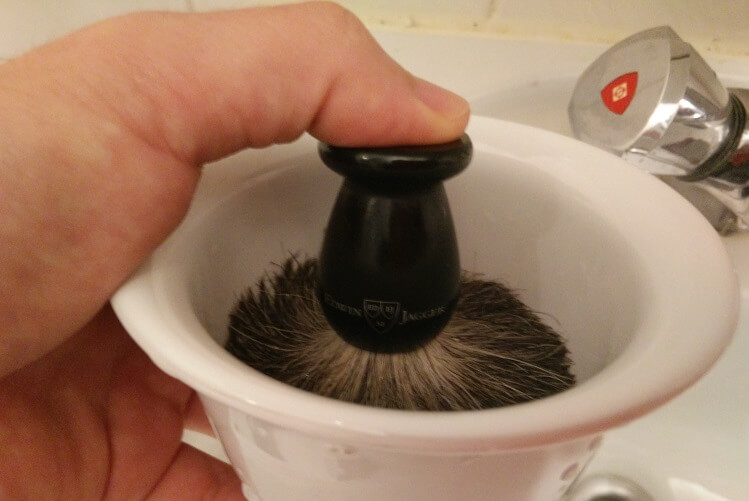 How to use a shaving brush properly. Pumping motion of shaving brush to build up lather