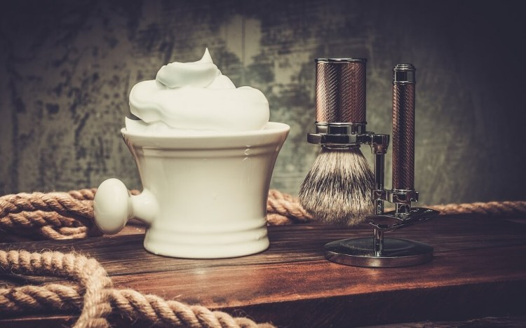 Among the best shaving soaps criteria is the cushioning of the lather and how it protects the skin from the razor