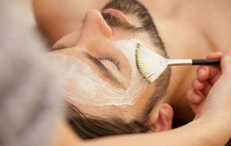 Getting a facial as bearded man is no problem
